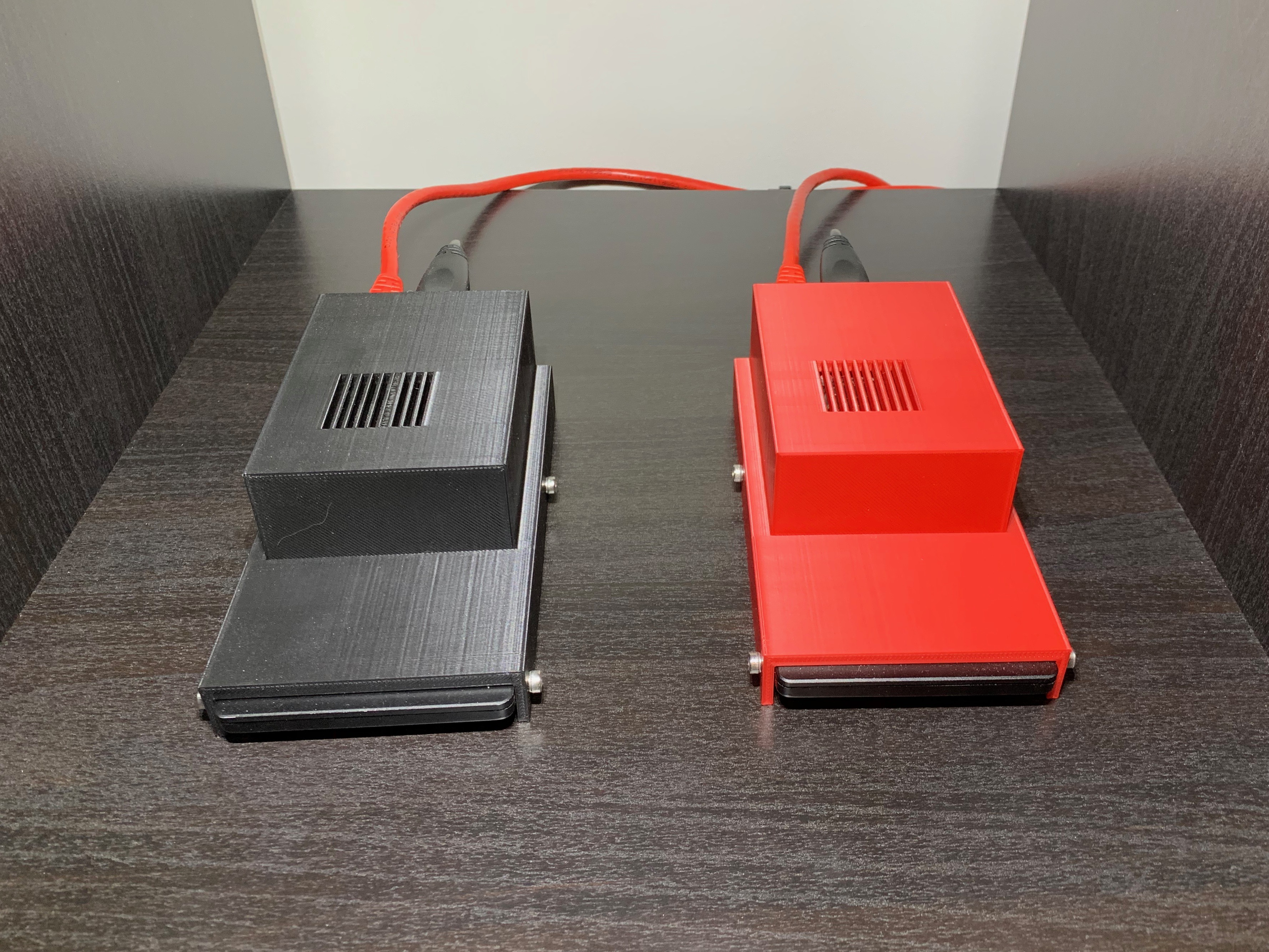 Pi 4 SSD cases with ethernet plugged in.